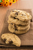 Chocolate chip cookies on kitchen towel Royalty Free Stock Images
