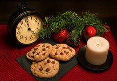 Chocolate Chip Cookies para o feriado do Natal Fotos de Stock