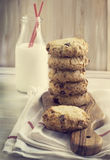 Chocolate chips cookies and milk Royalty Free Stock Photos
