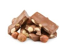 Chocolate con las tuercas aisladas Fotos de archivo libres de regalías