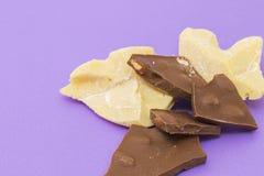 Chocolate con leche con manteca de la almendra y de cacao Foto de archivo libre de regalías