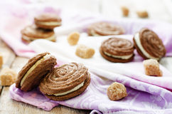 Chocolate cookies sable with cream cheese Stock Photography