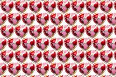 Chocolate coração-dado forma no fundo branco imagem de stock