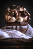 Chocolate and crunchy cupcake Royalty Free Stock Photography