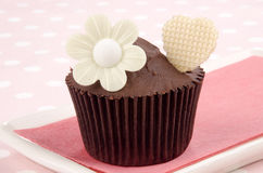 Chocolate cupcake with heart Stock Photography