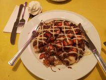 Chocolate da morango do waffle do deserto imagem de stock royalty free