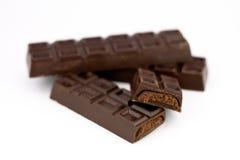 Chocolate de la barra con el relleno Fotos de archivo