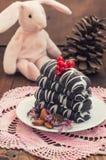 Chocolate de las galletas de la Navidad con las grietas Adornó una decoración festiva advenimiento tortas Foco selectivo Fotos de archivo libres de regalías