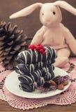 Chocolate de las galletas de la Navidad con las grietas Adornó una decoración festiva advenimiento tortas Foco selectivo Imágenes de archivo libres de regalías
