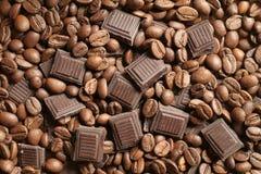 Chocolate de los granos de café Foto de archivo libre de regalías