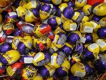 Chocolate del huevo de Cadbury Fotografía de archivo libre de regalías