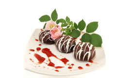 Chocolate dessert with a flower Royalty Free Stock Photos