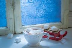 Chocolate hecho en casa con las melcochas para la Navidad Foto de archivo libre de regalías
