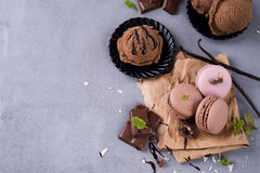 Chocolate macaroons with ice cream Royalty Free Stock Photography