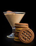 Chocolate mousse with cocoa cookies Royalty Free Stock Photography