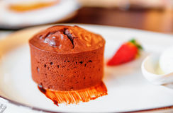 Chocolate muffin (cake) Royalty Free Stock Images