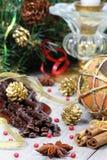 Chocolate oscuro en la decoración del Año Nuevo Fotografía de archivo