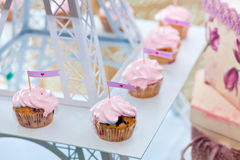 Chocolate pink cupcakes with hearts Royalty Free Stock Photo