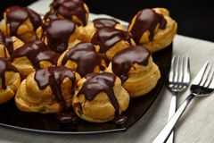Chocolate profiterole royalty free stock photos