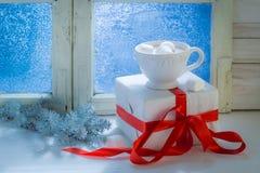 Chocolate sabroso de la Navidad con las melcochas Fotos de archivo libres de regalías