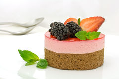 Chocolate and strawberry cake Royalty Free Stock Photos