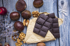 Chocolate y castañas Fotos de archivo libres de regalías