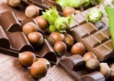 Chocolate y tuercas fotos de archivo