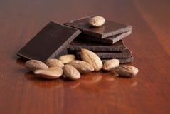 Chocolate y tuercas Foto de archivo libre de regalías