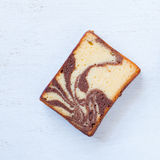 Chocolated en gele boter marmeren cake Royalty-vrije Stock Foto