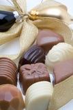 Chocolates belgas com decoração fotos de stock