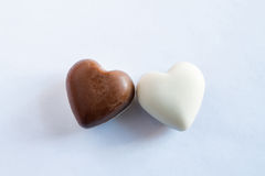 Chocolates blancos y marrones Fotografía de archivo libre de regalías