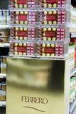 Chocolates de Ferrero fotos de stock