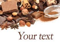 Chocolates deliciosos isolados no fundo branco Imagens de Stock Royalty Free