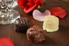 Chocolates románticos Fotos de archivo