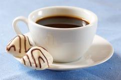 Chocolates y café blancos Imagen de archivo libre de regalías
