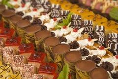 Chocolates y postres clasificados Foto de archivo
