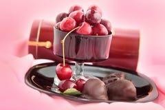 Chocolats, chocolat d'un plat noir de gare Images stock