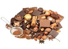 Chocolats délicieux d'isolement sur le fond blanc Image libre de droits