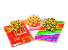 Chocolats de cadeau avec des rubans et des arcs Image stock