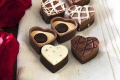 Chocolats en forme de coeur Images stock