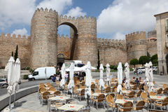 Chodniczek kawiarnia w starym miasteczku Avila, Hiszpania Obraz Stock