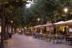 Chodniczek kawiarnie w Girona, Hiszpania Zdjęcie Royalty Free