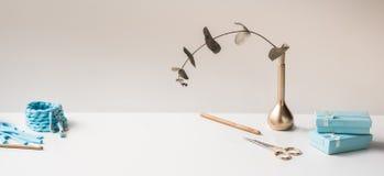 Chodnikowiec, sztandar dla miejsce projekta Uszycie, handmade dziać i szydełkować, przędza horyzontalny format, przestrzeń dla te Fotografia Royalty Free