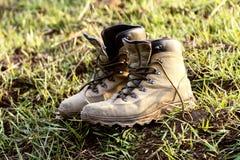 Chodzący buty które używają intensively zdjęcie stock