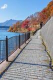 Chodzący kurs Jeziorny Kawaguchi obraz royalty free
