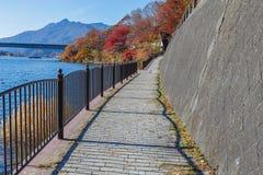 Chodzący kurs Jeziorny Kawaguchiko obraz stock
