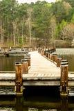 Chodzący molo Nad spokojem Nawadnia Fotografia Stock