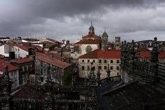 Chodzić na dachach w starym mieście Zdjęcie Stock