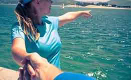 Chodzić na morze plaży obrazy royalty free