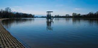 Chodzi i Relaksuje wokoło wioślarskiego kanału w Plovdiv Obraz Royalty Free